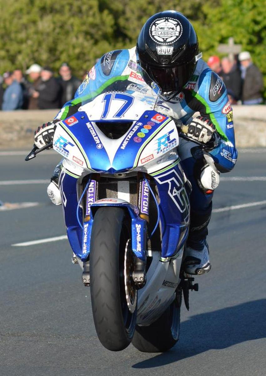 Road & Race Classic Supported Rider - Ivan Lintin - Wins Isle of Man TT